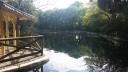Casa de Cañas en el lago